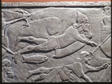 紀元前8世紀頃のアッシリア人の水泳