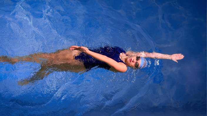 背泳ぎ(backstroke)泳法