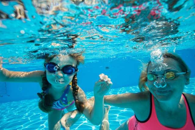 泳いだ後の耳と目のケア