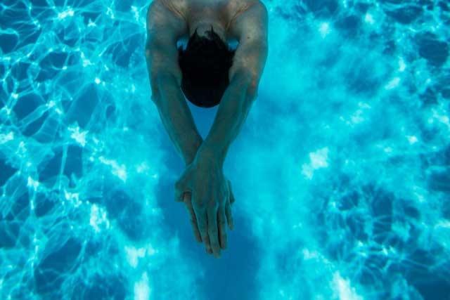 水泳ターンCOLUMN