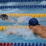 平泳ぎのドリル練習.